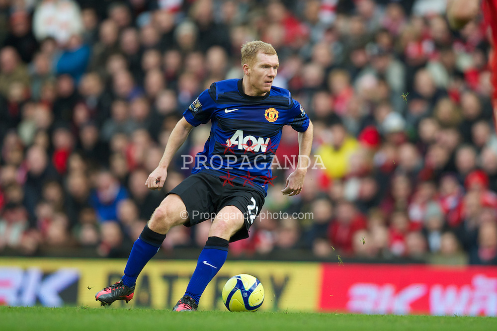 LIVERPOOL, ENGLAND - Saturday, January 28, 2012: Manchester United's Paul Scholes in action against Liverpool during the FA Cup 4th Round match at Anfield. (Pic by David Rawcliffe/Propaganda)