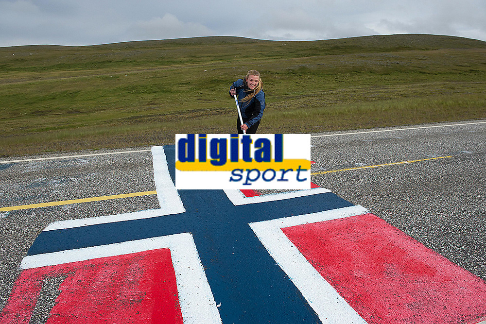 Illustration Fans Supporters Public Spectators, Flag, during the Artic Race Norway 2014, Stage 1, Hammerfest (Nor)-Nordkapp (Nor) (204km), on August 14, 2014. Photo Tim de Waele / DPPI