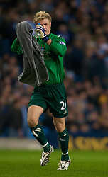 MANCHESTER, ENGLAND - Monday, February 25, 2008: Manchester City's goalkeeper Joe Hart during the Premiership match at the City of Manchester Stadium. (Photo by David Rawcliffe/Propaganda)