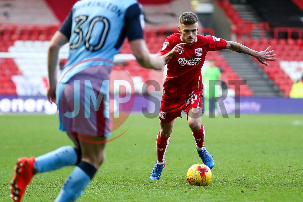 Jamie Paterson of Bristol City in action - Rogan Thomson/JMP - 04/02/2017 - FOOTBALL - Ashton Gate Stadium - Bristol, England - Bristol City v Rotherham United - Sky Bet Championship.