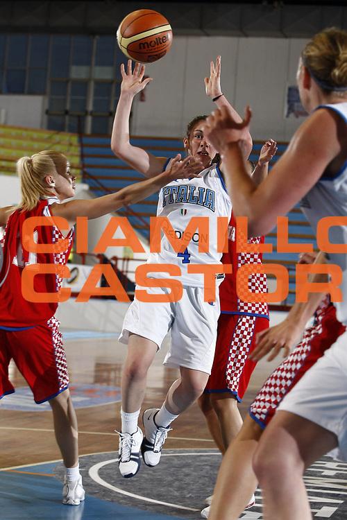 DESCRIZIONE : Porto San Giorgio Torneo Internazionale Basket Femminile Italia Croazia<br /> GIOCATORE : Licia Corradini<br /> SQUADRA : Nazionale Italia Donne<br /> EVENTO : Porto San Giorgio Torneo Internazionale Basket Femminile<br /> GARA : Italia Croazia<br /> DATA : 28/05/2009 <br /> CATEGORIA : penetrazione passaggio<br /> SPORT : Pallacanestro <br /> AUTORE : Agenzia Ciamillo-Castoria/E.Castoria