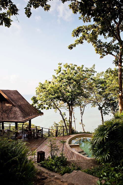 Luxury health resort with spa, yoga, wellness and detox retreats and holidays in Thailand.