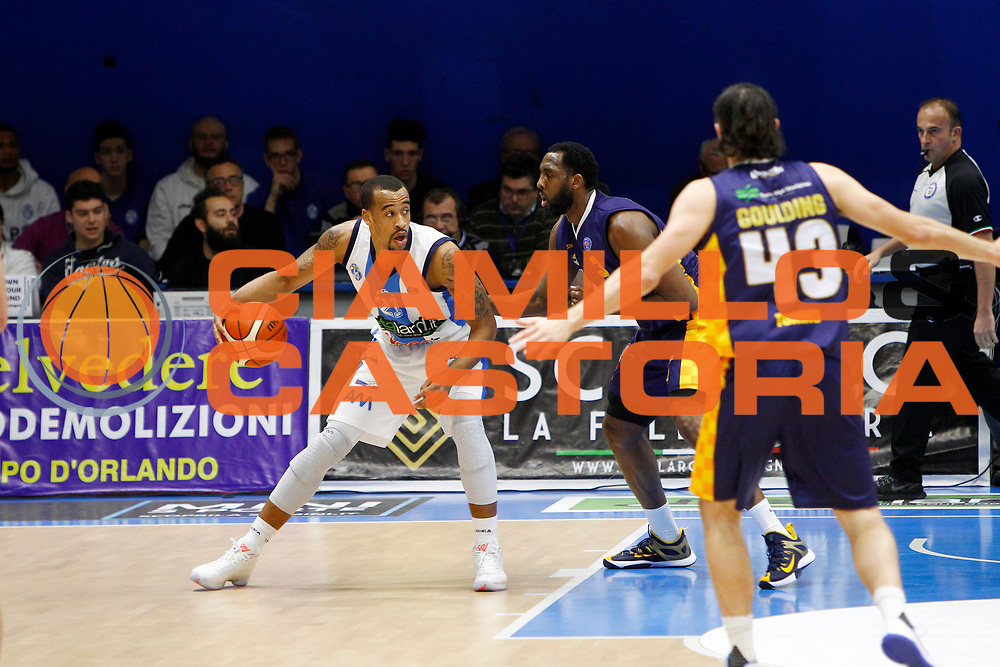 DESCRIZIONE : Capo dOrlando Lega A 2015-16 Betaland Capo d Orlando Manital Auxilium Cus Torino<br /> GIOCATORE : Lourence Bowers Dj White<br /> CATEGORIA : Controcampo Palleggio<br /> SQUADRA : Orlandina Basket<br /> EVENTO : Campionato Lega A Beko 2015-2016 <br /> GARA : Betaland Capo d Orlando Manital Auxilium Cus Torino<br /> DATA : 13/03/2016<br /> SPORT : Pallacanestro <br /> AUTORE : Agenzia Ciamillo-Castoria/G.Pappalardo<br /> Galleria : Lega Basket A 2015-2016<br /> Fotonotizia : Capo dOrlando Lega A 2015-16 Betaland Capo d Orlando Manital Auxilium Cus Torino