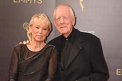 Max von Sydow, Catherine von Sydow bei der Ankunft zur Verleihung der Creative Arts Emmy Awards in Los Angeles / 110916 <br /> <br /> *** Arrivals at the Creative Arts Emmy Awards in Los Angeles, September 11, 2016 ***