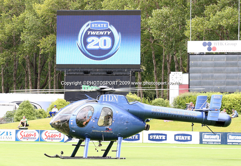 Otago Cricket bring in a helicopter to assist drying the University Oval.<br /> Otago Volts v Canterbury Wizards. State Twenty20 Cricket Final. University Oval, Dunedin. Sunday 1 March 2009. Photo: Rob Jefferies/PHOTOSPORT