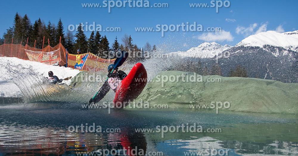 13.03.2010, Hochstein, Lienz, AUT, Snowkayak World Championships 2010, im Bild jede Menge Action bot der Wassergraben, EXPA Pictures © 2010, PhotoCredit: EXPA/ J. Feichter / SPORTIDA PHOTO AGENCY