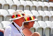 Davis Cup Deutschland gegen Frankreich im Stuttgarter Tennisclub Weissenhof,Stuttgart, ITF HerrenTennis Turnier, Doppel Wettbewerb,.Desinteresse der Zuschauer, Langeweile,leere  Sitze,Symbolfoto,Querformat,