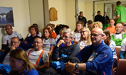 05-07-2014 NED: Iceland Diabetes Challenge dag 1, Landmannalaugar <br /> Vandaag ging de challenge van start. Met een bus gingen we van Vogar naar Landmannalaugar en zagen we de eerste tekenen van het prachtige landschap van IJsland / Voetbal kijken