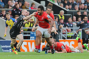 Sarasen Billy Vunipola No.8 (8) sprints past the tackles second half during the Aviva Premiership semi final match between Exeter Chiefs and Saracens at Sandy Park, Exeter, United Kingdom on 20 May 2017. Photo by Gary Learmonth.