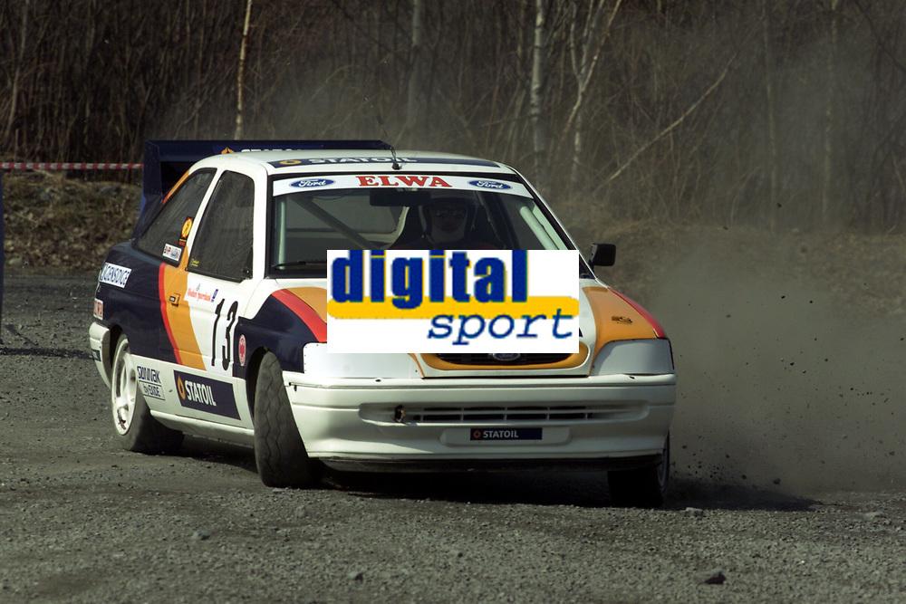 Motor. Bakkeløp i Vikersund 29.4.2000. Roar Aune, NMK Surnadal/Rindal. Ford Escort. Foto: Digitalsport.