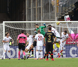 December 3, 2017 - Benevento, Campania/Napoli, Italy - Benevento, Italy. December 3, 2017: .Benevento goalkeeper Alberto Brignoli has a header that scores and draws. The Benevento after 14 losses manages to equalize and make the first point in Serie A (Credit Image: © Fabio Sasso/Pacific Press via ZUMA Wire)