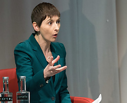 Royal Society of Medicine, London, March 4th 2016. Liberal Democrat mayoral candidate Caroline Pidgeon at the Greener London Mayoral hustings held at the Royal Society of Medicine in London. ///FOR LICENCING CONTACT: paul@pauldaveycreative.co.uk TEL:+44 (0) 7966 016 296 or +44 (0) 20 8969 6875. ©2015 Paul R Davey. All rights reserved.