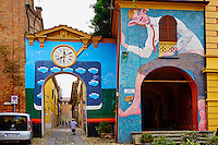 Italie, Emilie Romagne, village de Dozza // Italy, Emilia Romagna, Bologne district, painted village of Dozza