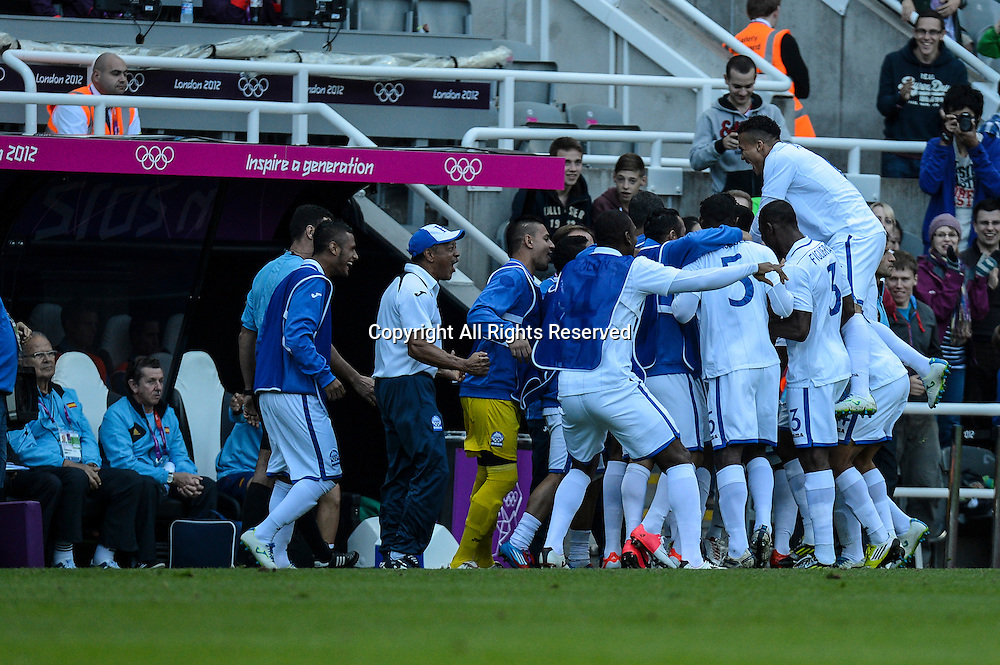 29.07.2012 Newcastle, England. Jerry Bengtson celebrates his first half goal against Spain with his Honduras team mates during the Olympic Football Men's Preliminary game between Spain and Honduras from St James Park.