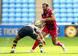 Jamie Roberts of Harlequins runs with the ball - Mandatory by-line: Robbie Stephenson/JMP - 17/09/2017 - RUGBY - Ricoh Arena - Coventry, England - Wasps v Harlequins - Aviva Premiership