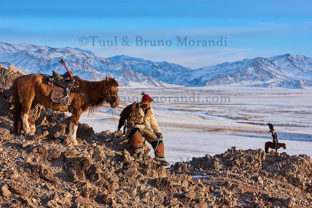 Mongolie, province de Bayan-Olgii, chasseur à l'aigle Kazakh, chasse à l'aigle royal dans les monts Altai // Mongolia, Bayan-Olgii province, Kazakh eagle hunter, Golden Eagle hunting in Altai mountains