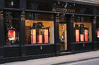 de grisogono shop front at christmas