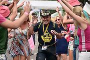 Nederland, Nijmegen, Groesbeek, 18-7-2013<br /> 4Daagse, Dag van Wijchen, roze woensdag. De vierdaagse is het grootste wandelevenement ter wereld. <br /> Foto: Flip Franssen