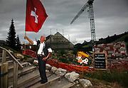 Fahnenschwinger in Moléson Village. Lancer de drapeau à Moléson Village.