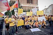 Roma, 18 Settembre 2015<br /> Manifestazione di lavoratori Ikea, davanti all'ambasciata svedese<br /> Lavoratori Ikea protestano contro la riduzione dei salari da Ikea .<br /> Rome, 18 September 2015<br /> Demonstration of workers Ikea, infront the Swedish embassy <br /> Ikea workers protest against the lowering of wages by Ikea.