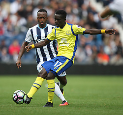 Idrissa Gueye of Everton (R) and Saido Berahino of West Bromwich Albion in action - Mandatory by-line: Jack Phillips/JMP - 20/08/2016 - FOOTBALL - The Hawthorns - West Bromwich, England - West Bromwich Albion v Everton - Premier League