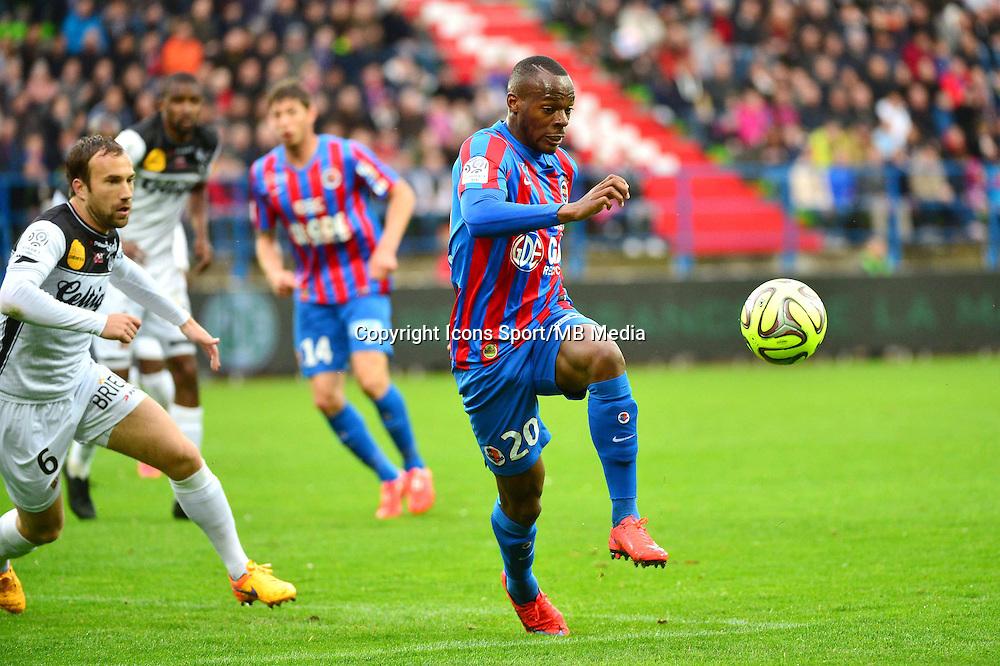 Herve BAZILE - 25.04.2015 - Caen / Guingamp - 34eme journee de Ligue 1<br /> Photo : David Winter / Icon Sport
