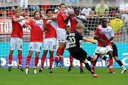 09-08-2009 VOETBAL: FC UTRECHT - WILLEM II: UTRECHT<br /> Utrecht wint met 1-0 van Willem II / Utrecht muur met Mihai Nesu, Gregoor van Dijk, Jan Wuytens, Kevin Vandenbergh, Jacob Mulenga en Loic Loval<br /> &copy;2009-WWW.FOTOHOOGENDOORN.NL