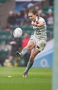 Twickenham, Surrey. UK.  Full Back, Alice MIDDLETON converts a Cambridge try, during the 2017 Women's Varsity Rugby Match, Oxford vs , Cambridge Universities. RFU Stadium, Twickenham. Surrey, England.<br /> <br /> Thursday  07.12.17  <br /> <br /> [Mandatory Credit Peter SPURRIER/Intersport Images]