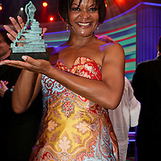 NLD/Hilversum/20080602 - Musical Award Gala 2008, Ruth Jaccot met haar prijs