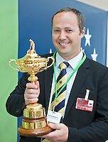 BRUSSEL- GOLF- JOACHIM REINMUTH met Ryder Cup during EGA Golf Course Committee Exhibition of Golf at European Parliament.  FOTO KOEN SUYK