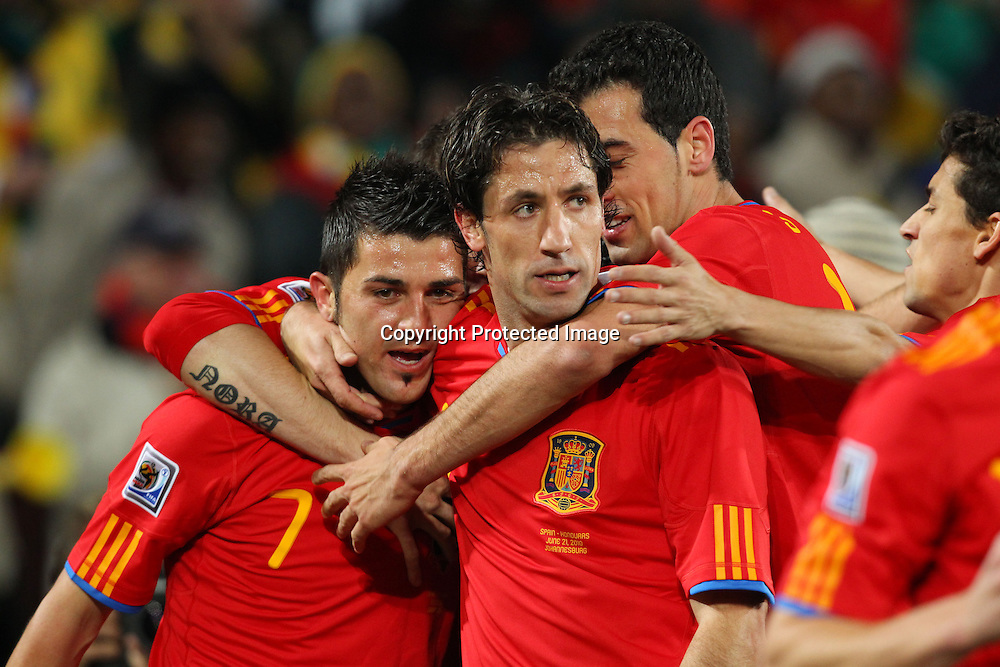 (L-R) David Villa, Joan Capdevila (ESP), <br />