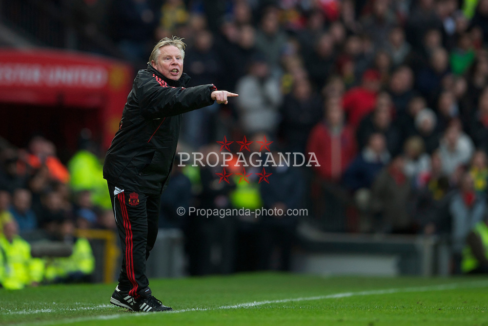 MANCHESTER, ENGLAND - Sunday, January 9, 2011: Liverpool's assistant manager Sammy Lee during the FA Cup 3rd Round match against Manchester United at Old Trafford. (Photo by: David Rawcliffe/Propaganda)