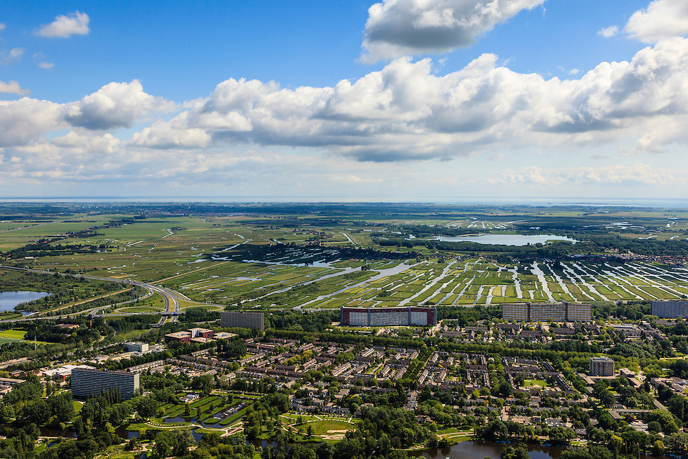 Nederland, Noord-Holland, Zaanstad, 14-06-2012; Zaandam, de wijken Hoornseveld en Peldersveld. Polder Oostzaan en Het Twiske in de achtergrond..Residential districts of the city of Zaandam, polder and nature area..luchtfoto (toeslag), aerial photo (additional fee required).foto/photo Siebe Swart