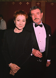 Actress ZOE WANAMAKER and her husband MR GAWN GRAINGER,  at a dinner in London on 26th February 1998.MFT 14