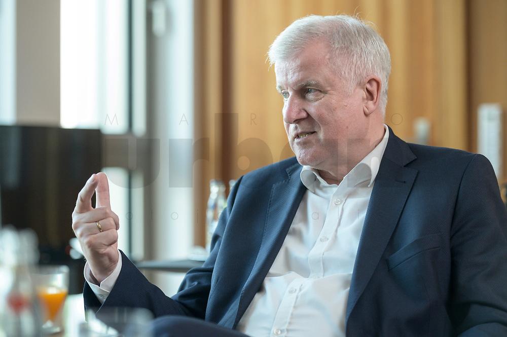 01 JUL 2019, BERLIN/GERMANY:<br /> Horst Seehofer, CSU, Bundesinnenminister, waehrend einem Interview, in seinem Buero, Bundesministerium des Inneren<br /> IMAGE: 20190701-01-049<br /> KEYWORDS: Büro