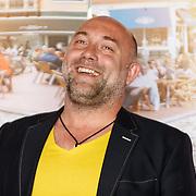 """NLD/Amsterdam/20150515 - Castpresentatie nieuwe film van Johan Nijenhuis  """"Rokjesdag"""", Loek Peters"""