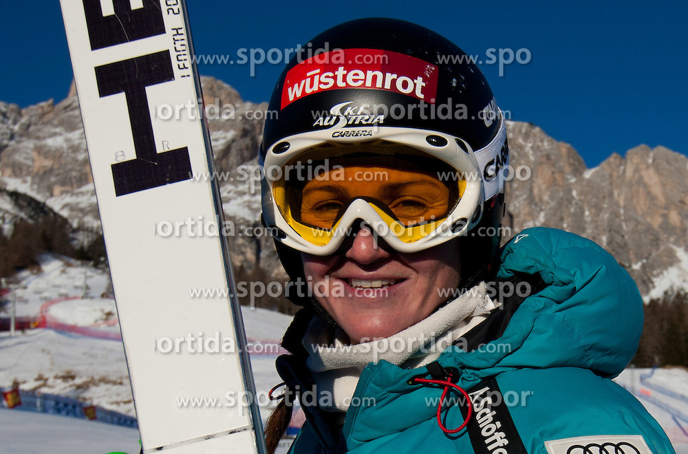 14.01.2012, Pista Olympia delle Tofane, Cortina, ITA, FIS Weltcup Ski Alpin, Damen, Abfahrt, im Bild Elisabeth Goergl (AUT) // Elisabeth Goergl of Austria bevore ladies downhill race of FIS Ski Alpine World Cup at 'Pista Olympia delle Tofane' course in Cortina, Italy on 2012/01/14. EXPA Pictures © 2012, PhotoCredit: EXPA/ Johann Groder