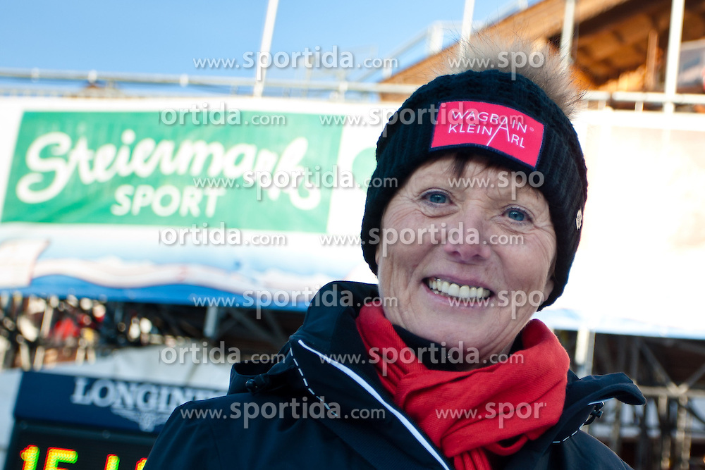 10.02.2013, Planai, Schladming, AUT, FIS Weltmeisterschaften Ski Alpin, Sporthilfe Charity Race, im Bild Skilegende Annemarie Moser Proell // ski legend Annemarie Moser Proell at the Sporthilfe charity race during FIS Ski World Championships 2013 at the Planai Course, Schladming, Austria on 2013/02/10. EXPA Pictures © 2013, PhotoCredit: EXPA/ Markus Casna