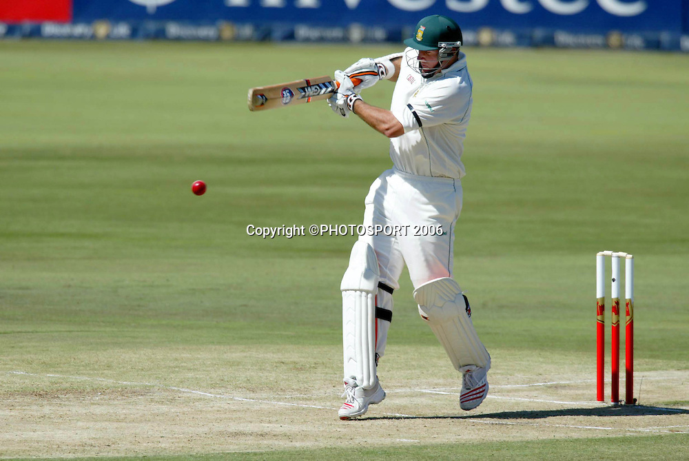 South African captain Graeme Smith plays a pull shot during day one of the first cricket test between South Africa and New Zealand at SuperSport Park, Centurion, South Africa on Saturday 15 April, 2006. Photo: Africa Visuals/PHOTOSPORT**NZ USE ONLY**<br /> <br /> 150406 batting