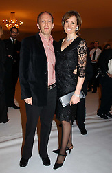 SIMON & SANTA SEBAG-MONTEFIORE at the Moet & Chandon Fashion Tribute 2005 to Matthew Williamson, held at Old Billingsgate, City of London on 16th February 2005.<br /><br />NON EXCLUSIVE - WORLD RIGHTS