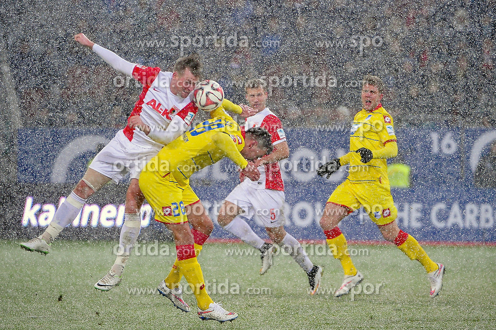 01.02.2015, SGL Arena, Augsburg, GER, 1. FBL, FC Augsburg vs TSG 1899 Hoffenheim, 18. Runde, im Bild Kopfball von Jan-Ingwer Callsen-Bracker ( FC Augsburg ) 18 // during the German Bundesliga 18th round match between FC Augsburg and TSG 1899 Hoffenheim at the SGL Arena in Augsburg, Germany on 2015/02/01. EXPA Pictures &copy; 2015, PhotoCredit: EXPA/ Eibner-Pressefoto/ Schreyer<br /> <br /> *****ATTENTION - OUT of GER*****