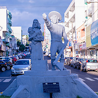 Monumento aos pioneiros, São Miguel do Oeste, Santa Catarina - foto de Zé Paiva - Vista Imagens