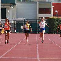 B Div Girls 400m