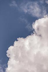 THEMENBILD - Wolken vor blauem Himmel, aufgenommen am 23. Juni 2019, am Hintersee in Mittersill, Österreich // Clouds in front of blue sky on 2019/06/23, Hintersee in Mittersill, Austria. EXPA Pictures © 2019, PhotoCredit: EXPA/ Stefanie Oberhauser