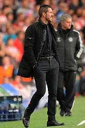 30.04.2014, Stamford Bridge, London, ENG, UEFA CL, FC Chelsea vs Atletico Madrid, Halbfinale, Rueckspiel, im Bild Athletico Madrid's Manager Diego Simeone looks on // Athletico Madrid's Manager Diego Simeone looks on during the UEFA Champions League Round of 4, 2nd Leg Match between Chelsea FC and Club Atletico de Madrid at the Stamford Bridge in London, Great Britain on 2014/05/01. EXPA Pictures © 2014, PhotoCredit: EXPA/ Mitchell Gunn<br /> <br /> *****ATTENTION - OUT of GBR*****