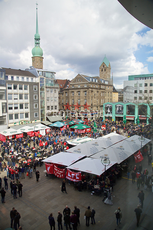 DORTMUND, GERMANY - Thursday, April 7, 2016: Liverpool supporters take over the Old Market Square in Dortmund city centre ahead of the UEFA Europa League Quarter-Final 1st Leg match. (Pic by David Rawcliffe/Propaganda)