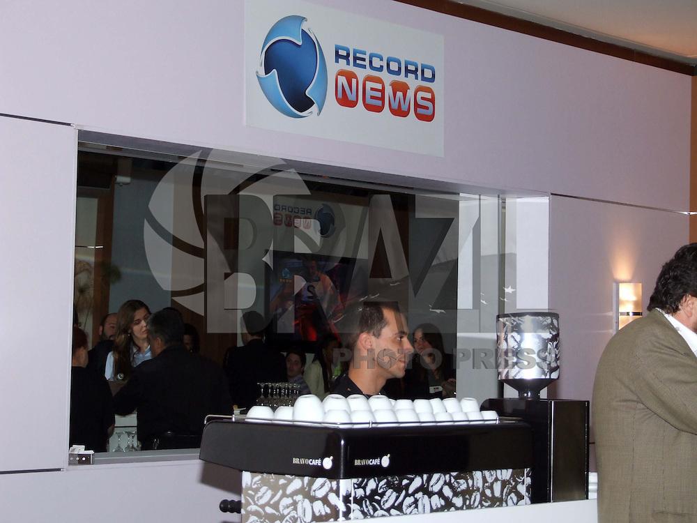 SÃO PAULO, SP, 08 DE OUTUBRO DE 2009 - MAXIMÍDIA - Reunindo no mesmo evento um Fórum Internacional de Marketing e Comunicação, uma grande feira de negócios e relacionamentos e um valorizado Prêmio de Criatividade em Mídia, o MaxiMídia é hoje o maior evento do setor em toda a América Latina, transmitido ao vivo, via satélite, para mais de 20 cidades em todo o Brasil. No WTC no bairro do Morumbi região sul da capital paulista FOTO: BRAZIL PHOTO PRESS