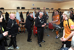 WOLVERHAMPTON, ENGLAND - Saturday, April 18, 2009: Wolverhampton Wanderers' manager Mick McCarthy celebrates promotion to the Premier League after their 1-0 victory over Queens Park Rangers in the League Championship at Molineux Stadium. (Pic by Pool/Wolverhampton Wanderers Handout/Propaganda)