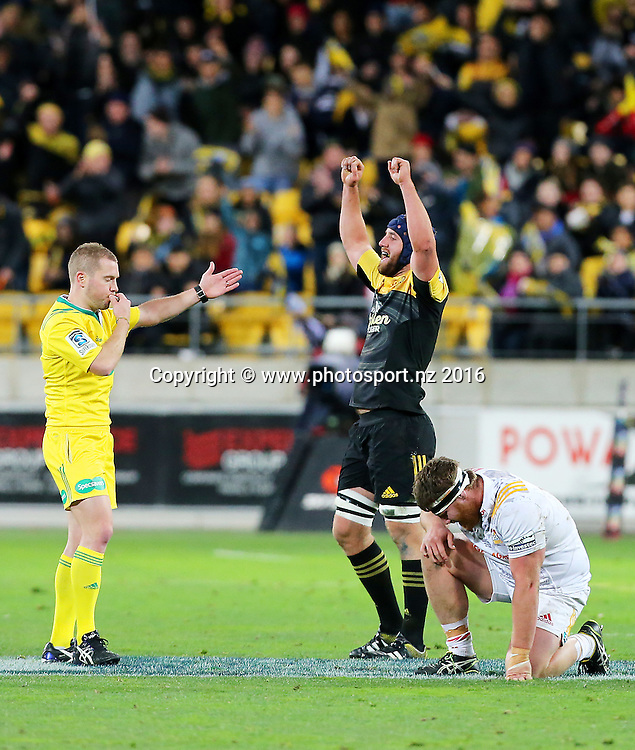 Hurricanes' Mark Abbott celebrates victory at the final whistle during the Investec Super Rugby Semi-Final match, Hurricanes v Chiefs at Westpac Stadium, Wellington, New Zealand. 30th July 2016. © Copyright Photo: Grant Down / www.photosport.nz