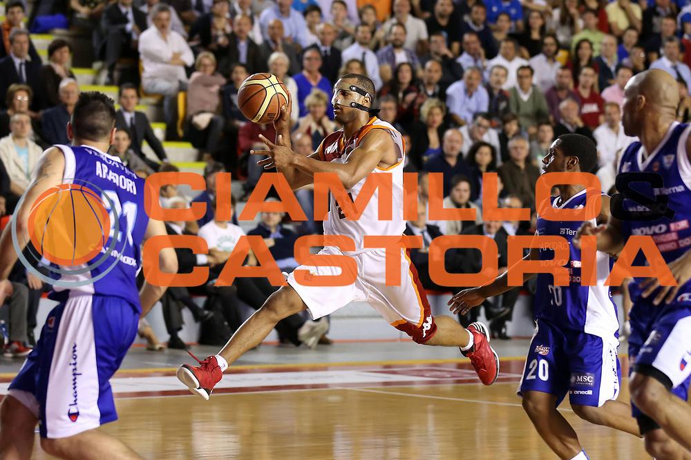 DESCRIZIONE : Roma Lega A 2012-2013 Acea Roma Lenovo Cant&ugrave; playoff semifinale gara 2<br /> GIOCATORE : Jordan Taylor<br /> CATEGORIA : passaggio super special<br /> SQUADRA : Acea Roma<br /> EVENTO : Campionato Lega A 2012-2013 playoff semifinale gara 2<br /> GARA : Acea Roma Lenovo Cant&ugrave;<br /> DATA : 27/05/2013<br /> SPORT : Pallacanestro <br /> AUTORE : Agenzia Ciamillo-Castoria/ElioCastoria<br /> Galleria : Lega Basket A 2012-2013  <br /> Fotonotizia : Roma Lega A 2012-2013 Acea Roma Lenovo Cant&ugrave; playoff semifinale gara 2<br /> Predefinita :